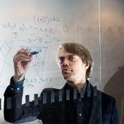 Fysiikan yliopistonlehtori Teiko Heinosaari